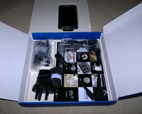 nokia-n8-box